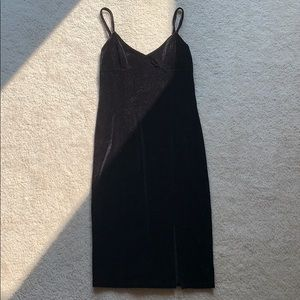 Forever 21 • Black Velvet Bodycon dress